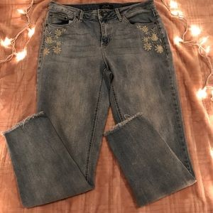 Earl Raw Cut Hem Size 10 Floral Embroidered Jeans